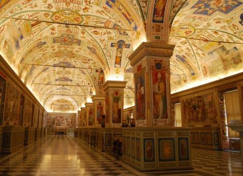 Pedofilia: arrestato in Vaticano ex addetto della Nunziatura di Washington